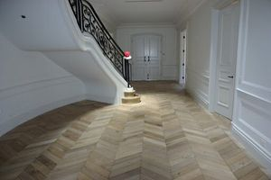 What color is the best natural parquet to choose